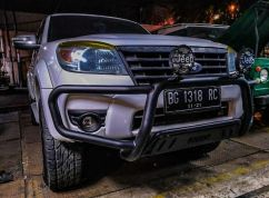 Ford Everest BUMPER DEPAN NUDGE BAR WILD FOREST FORD EVEREST TAS4X4 bumper depan nudge bar wild forest ford everest tas4x4 2